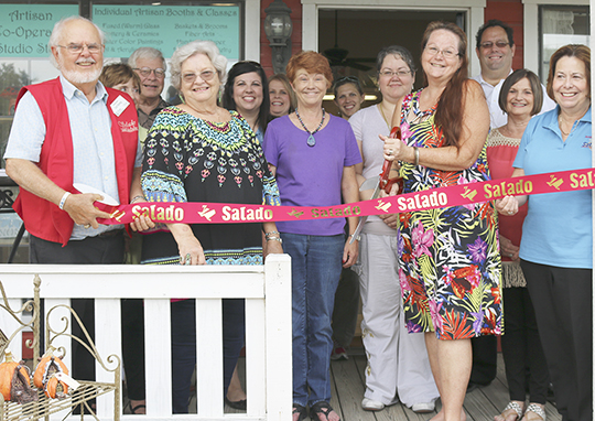 Salado Chamber welcomes Arts & Leisure Salado