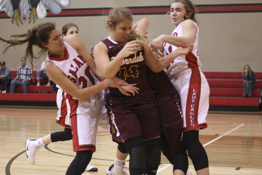 Lady Eagles stumble against Thorndale, crush Austin Travis