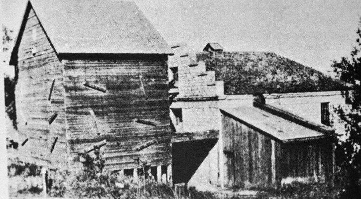 Stinnett Mill: From a mill to a home