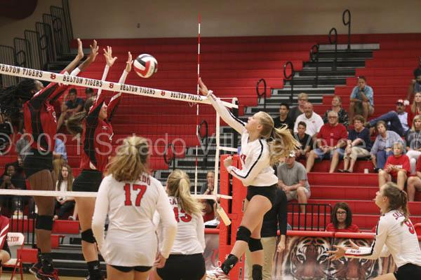 Lady Eagles versus Belton