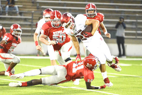 Hunter Turk turns the corner during the Salado Eagles' 42-0 shutout of the Austin Travis Rebels. (Photo by Ron LeGuin)