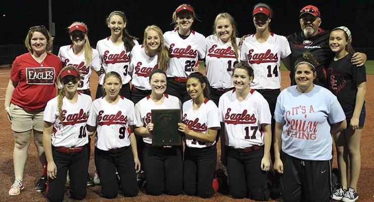 Lady Eagles win Franklin softball tourney