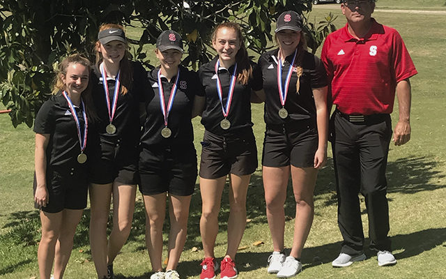 Girls golf qualifies for State Tournament
