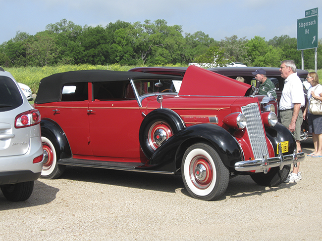 Texas Packards gather in Salado